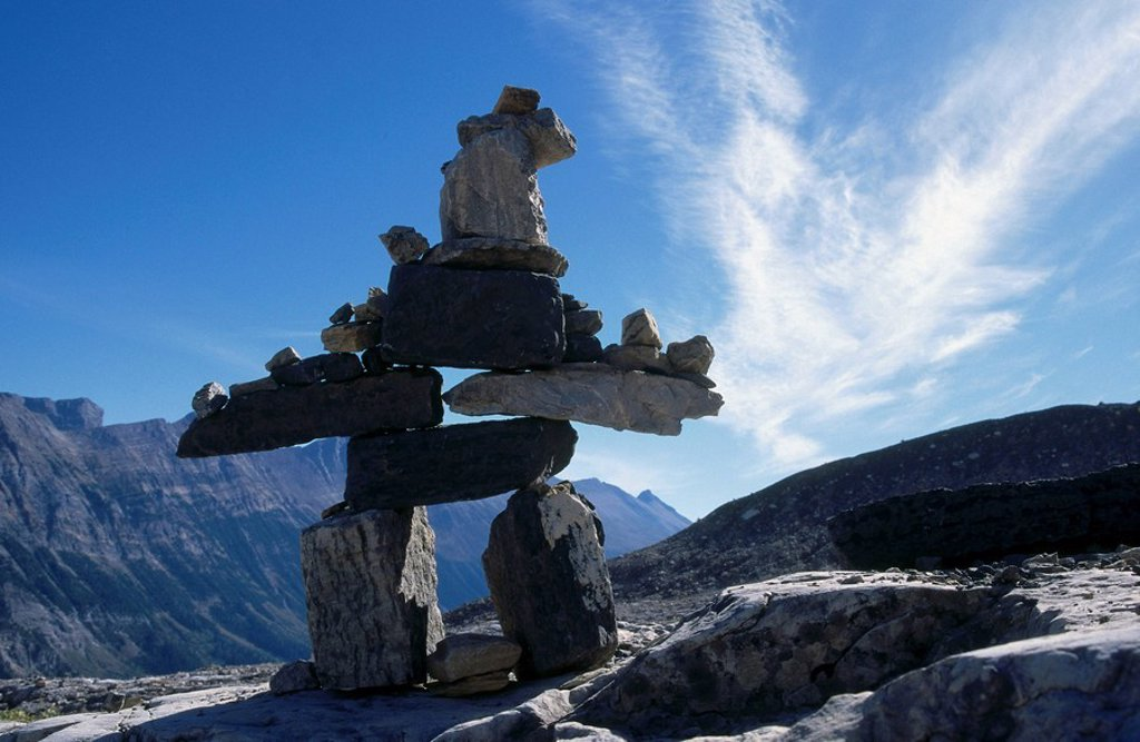 Inukshuk on mountain, Whistler Mountain, British Columbia, Canada : Stock Photo
