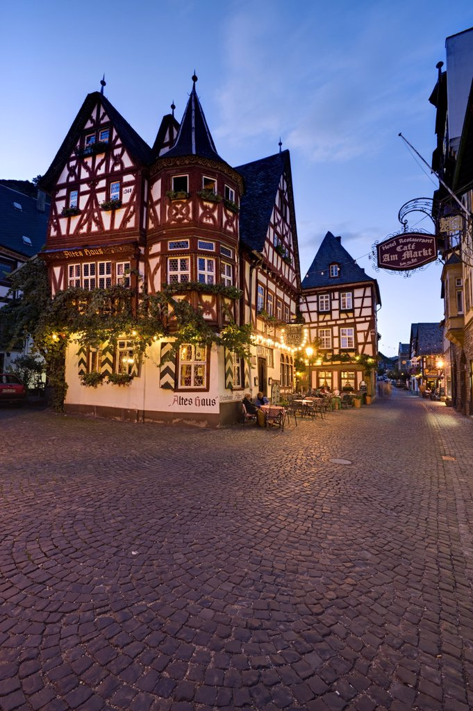 Inn Altes Haus on market square in the evening, Bacharach, Germany : Stock Photo