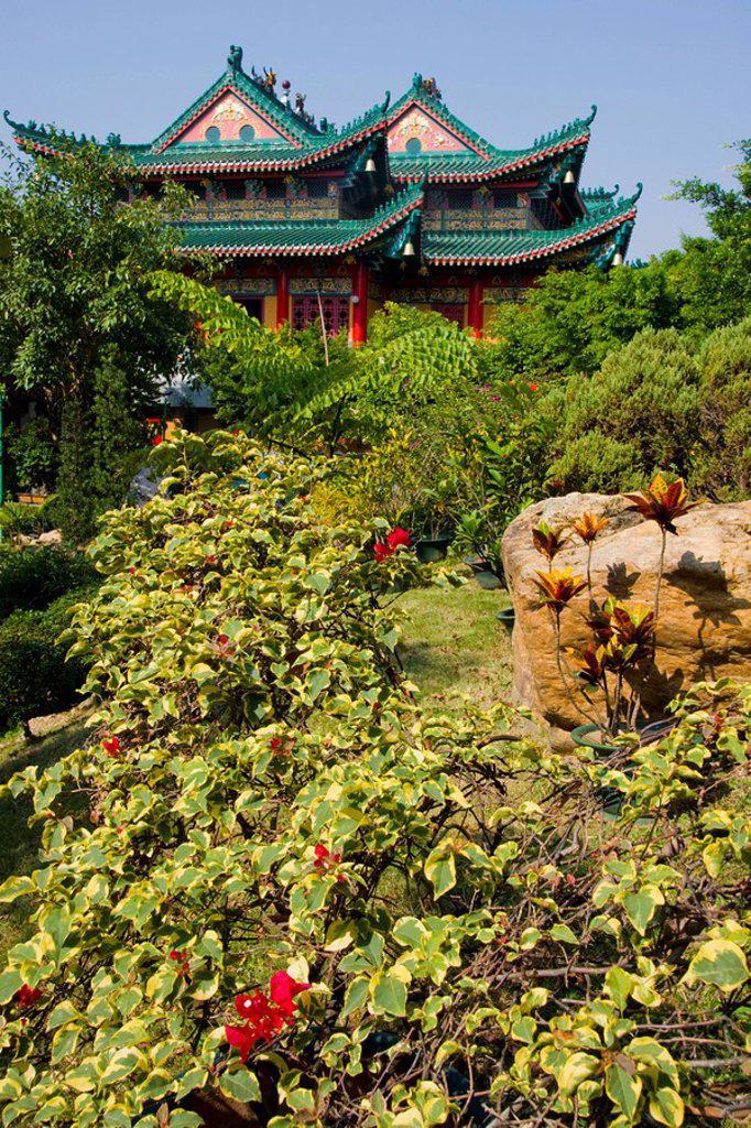 Garden in front of temple, Wun Chuen Sin Koon, Hong Kong, China : Stock Photo