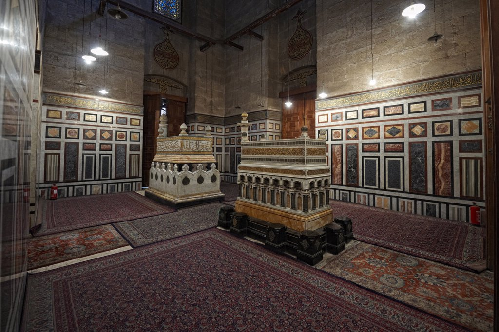 Tombs of Reza Shah Pahlavi and King Farouk I of Egypt in the Al_Rifai Mosque, Cairo, Egypt : Stock Photo