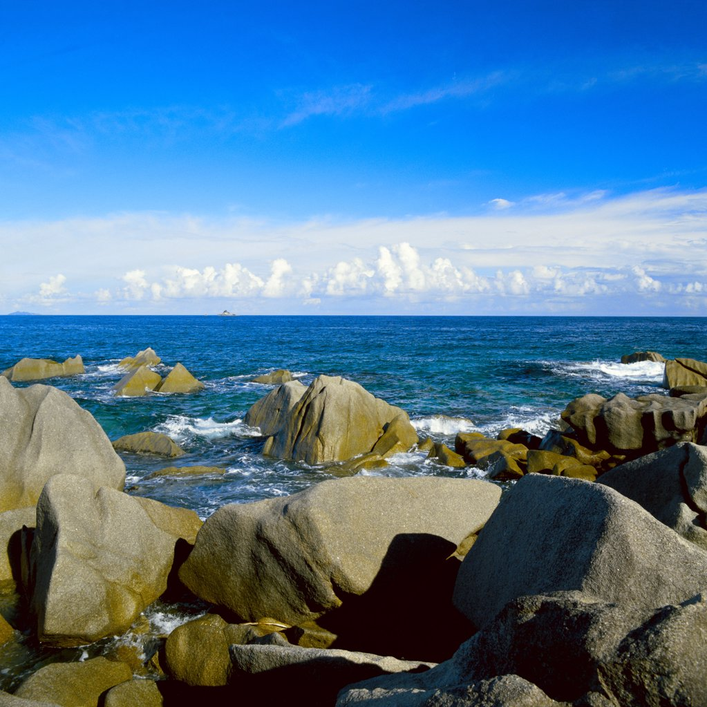 Rocky seashore : Stock Photo