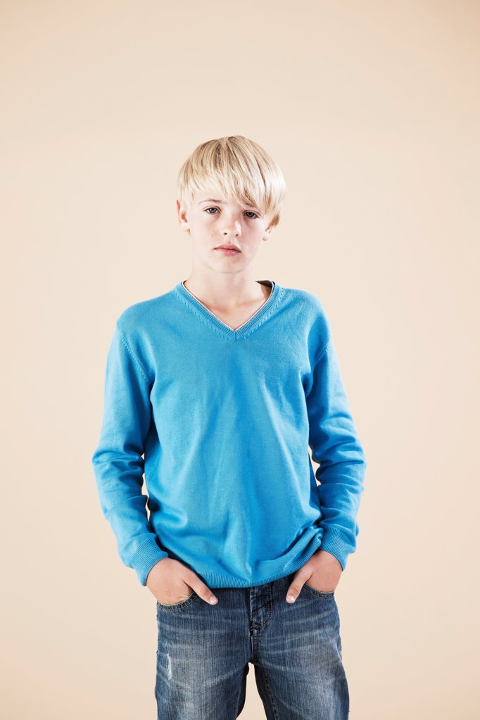 Stock Photo: 1841R-124964 Blond boy, portrait