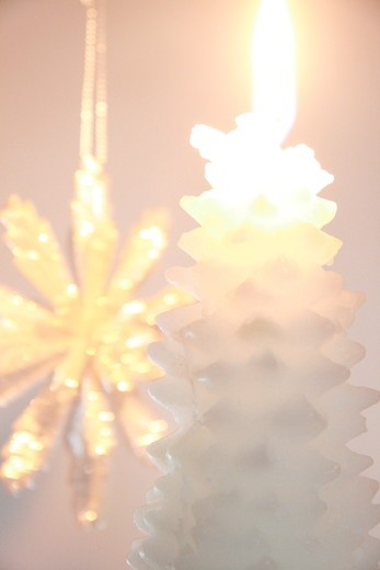 Stock Photo: 1841R-88702 Close-up of burning candle