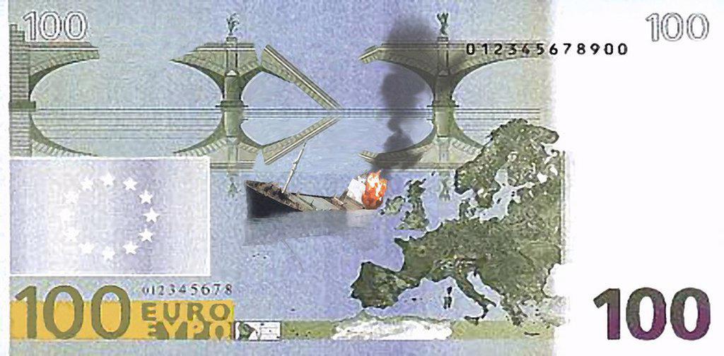 Battleship sinking on a 100 Euro bill : Stock Photo