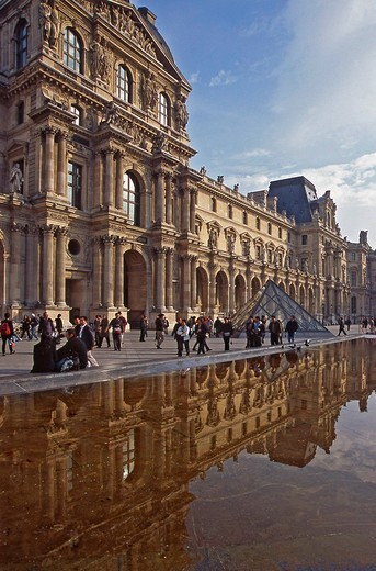 Louvre Museum, pyramid, bassin , Paris, France, Europe : Stock Photo