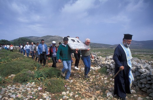 Cyclades, Folegandros Easter 2000: Easter Tuesday, Icon taken to the houses outside the settlements : Stock Photo