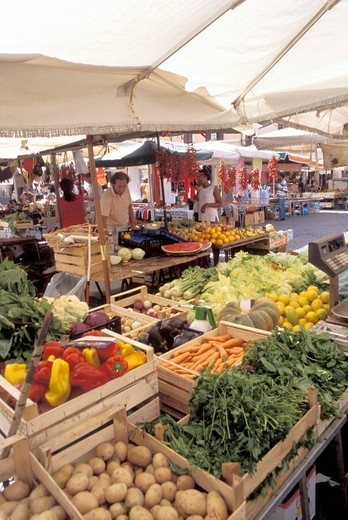 Stock Photo: 1844-5613 Vegetable display at the outdoor market in Campo de´ Fiori , Rome, Italy, Europe