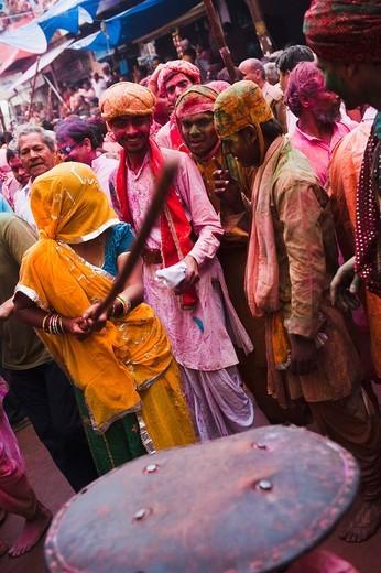 People celebrating ´Lath Maar Holi´ festival, Barsana, Uttar Pradesh India : Stock Photo
