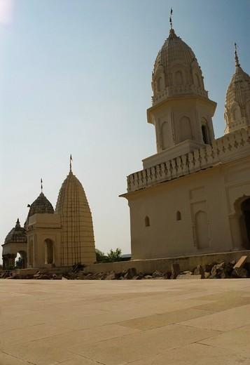 Low angle view of temples, Khajuraho, Chhatarpur District, Madhya Pradesh, India : Stock Photo
