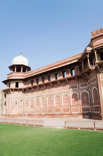 Stock Photo: 1846-5295 Lawn in front of a fort, Jahangiri Mahal, Agra Fort, Agra, Uttar Pradesh, India