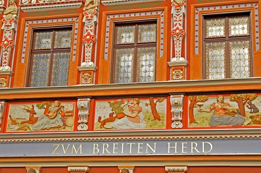 Zum breiten Herd restaurant, Kraemerbruecke bridge, Erfurt, Thuringia, Germany, Europe : Stock Photo