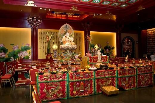 Buddha statue at the Kwan Im Thong Hood Cho Temple, Waterloo Street, Singapore, Southeast Asia : Stock Photo