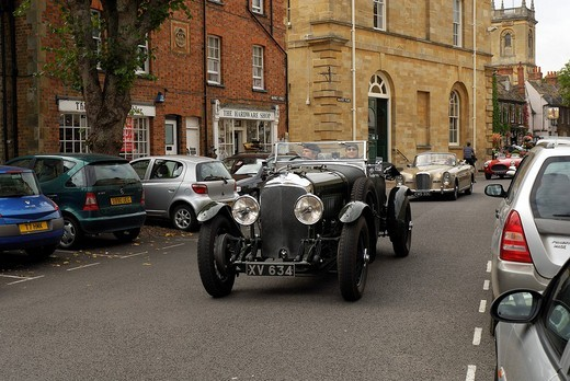 Vintage car rally in Woodstock, Oxfordshire, England, Great Britain, Europe : Stock Photo
