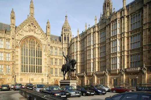 Equestrian statue of Richard I. in front of the Houses of Parliament in London, England, Great Britain, Europe : Stock Photo