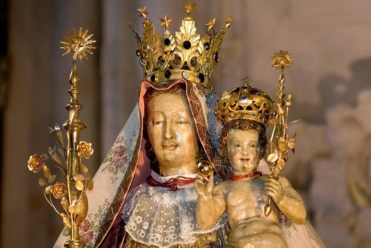 Cathedral of Our Lady, devotional statue Our Lady of Antwerp, antwerp, belgium : Stock Photo