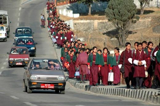 Stock Photo: 1848-107525 Bhutan, Kingdom, Himalaya, capital Thimphu, pupils leaving school