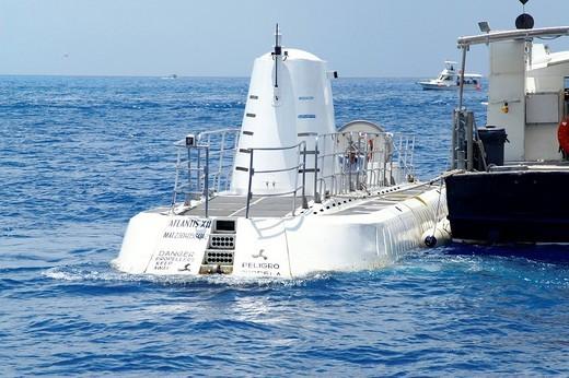 Stock Photo: 1848-107651 Submarine Atlantis 7 at the coast of Cozumel, Yucatan Peninsular, Mexico