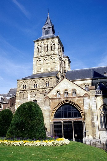 Stock Photo: 1848-108789 Sint Servaas_Basiliek, St. Servatius Basilica, romanesque Cross Basilica, Church in the medieval city center of Maastricht, Limburg, Netherlands, Benelux, Europe
