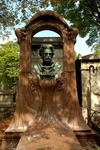 Montmartre Cemetery, tomb of Emile Zola, Paris, Ile_de_France, France : Stock Photo