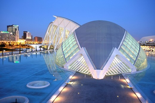 ESP, Spain, Valencia : Ciudad de las Artes Y de las Ciencias, City of arts and sciences. L´Hemisferic and Museo de las Ciencias Principe Filipe : Stock Photo