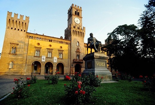 Verdi monument, Giuseppe Verdi Theatre, Busseto, province of Parma, Emilia_Romagna, Italy, Europe : Stock Photo