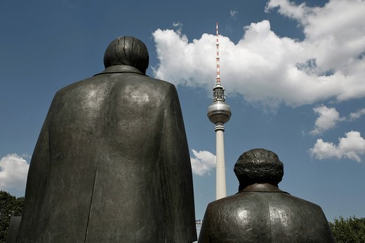Stock Photo: 1848-112727 Marx Engels Forum and Fernsehturm TV tower, Berlin, Germany, Europe