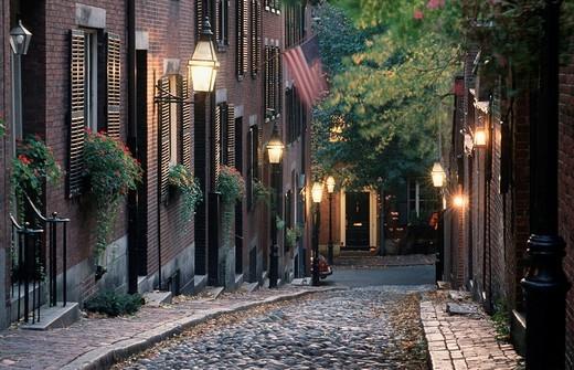 Stock Photo: 1848-113475 Acorn Street at twilight, Beacon Hill, Boston, Massachusetts, USA