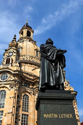 Martin Luther monument, in the back the Church of Our Lady at Neumarkt square, Dresden, Saxony, Germany, Europe : Stock Photo