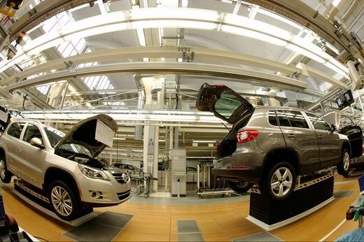 Stock Photo: 1848-114442 Tiguan car production, VW Werk Wolfsburg, VW car factory Wolfsburg, Lower Saxony, Germany, Europe
