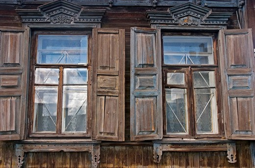 Stock Photo: 1848-116000 Windows with Ornamentic frames at different old Sibirian Wooden Houses, Omsk at the Rivers of Irtisch and Omka, Omsk, Sibiria, Russia, GUS, Europe,