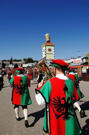 Stock Photo: 1848-116281 Procession wearing traditional costumes, Wies´n, Oktoberfest, Munich, Bavaria, Germany, Europe