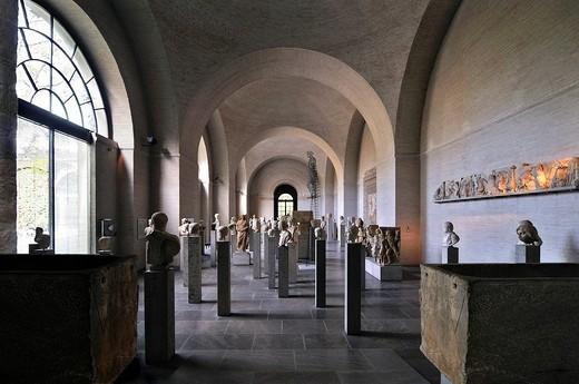 Stock Photo: 1848-11686 Hall of Roman effigies and Christoph Bergmann´s Mythos in Metall, Glyptothek museum, Munich, Bavaria, Germany, Europe