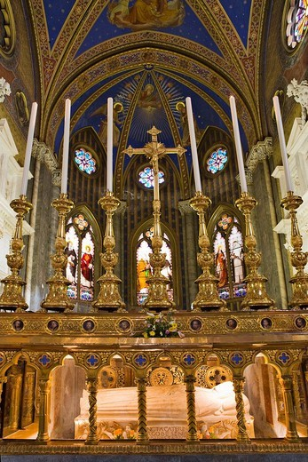 Tomb of S. Catherine of Siena, Santa Maria sopra Minerva Church Gothic church, Rome, Italy, Europe : Stock Photo