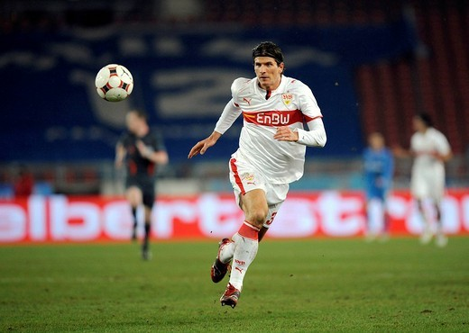 Mario GOMEZ, VfB Stuttgart, with the ball : Stock Photo