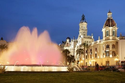Stock Photo: 1848-119582 ESP, Spain, Valencia : Plaza Ayuntamiento, Avenida Marques De Sotelo, central city hall square