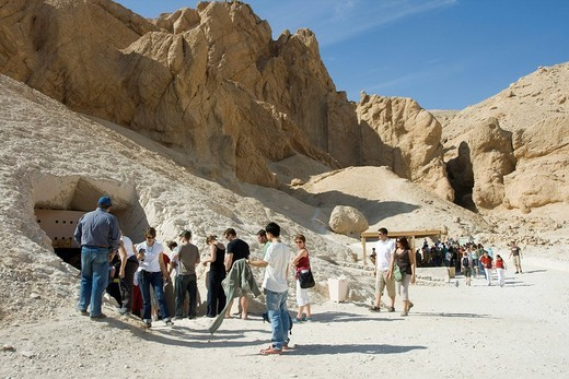 Entrance to a tomb in the Valley of the Queens, West Bank, Luxor, Nile Valley, Egypt, Africa : Stock Photo