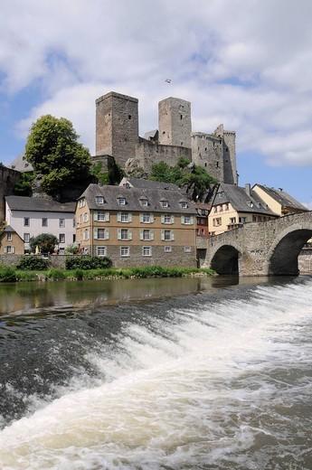 Castle ruins and the Runkel Museum, Lahnbruecke Bridge made of stone, Limburg_Weilburg district, Hesse, Germany : Stock Photo