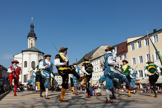Stock Photo: 1848-122719 Historic sword dance, Georgiritt, George´s Ride, Easter Monday procession, town square with parish church in Traunstein, Chiemgau, Upper Bavaria, Bavaria, Germany, Europe