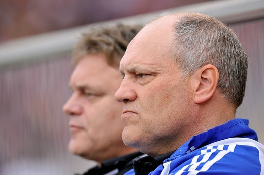 Martin Jol, coach, HSV, Hamburger SV, in front of his brother and assistant coach Cornelius Jol : Stock Photo