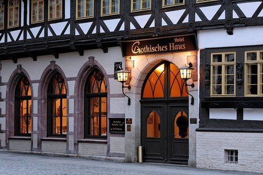 Romantic Hotel Gothisches Haus, historic half_timbered house, evening, Wernigerode market place, Harz, Saxony_Anhalt, Germany, Europe : Stock Photo