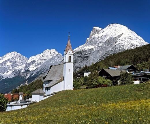 Stock Photo: 1848-131370 Moesern, parish church, Inntal, Hohe Munde, Mieminger Kette, Tyrol, Austria