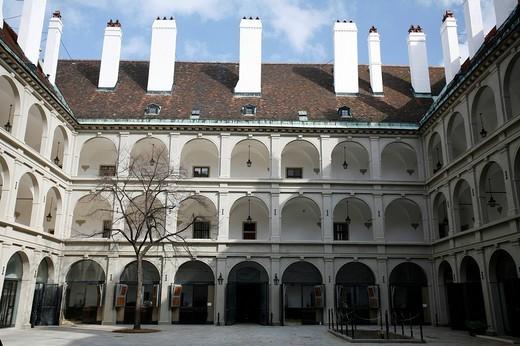 Spanische Hofreitschule, Riding school, Reitschulgasse, Hofburg castle, Vienna, Austria : Stock Photo