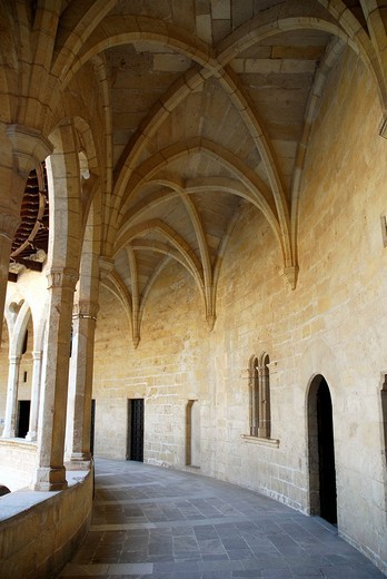 Stock Photo: 1848-134276 Gothic arcades in the inner courtyard of Castell de Bellver, a round castle from the 13th century, used today as a local history museum, Palma de Mallorca, Majorca, Balearic Islands, Spain, Europe