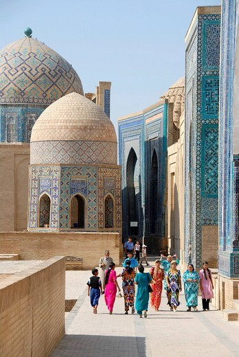 Colourful dressed women necropolis Shah_i_Zinda Samarkand Uzbekistan : Stock Photo