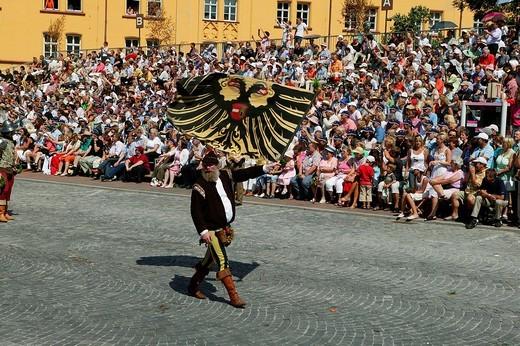 Flag carriers, Landshut Wedding historical pageant, Landshut, Lower Bavaria, Bavaria, Germany, Europe : Stock Photo
