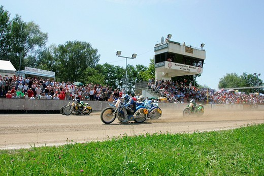 Stock Photo: 1848-139644 Sidecar motorcycles at the starting line, international motorcycle race on a dirt track speedway in Muehldorf am Inn, Upper Bavaria, Bavaria, Germany, Europe