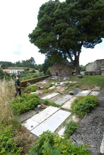 Original, centuries_old cemetery of the Iglesia de Santiago de Cexeiro Camarinas Church, La Coruna, Galicia, Spain, Europe : Stock Photo