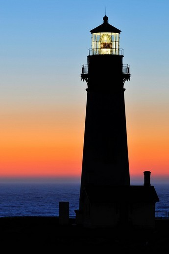 Yaquina Head Lighthouse, tallest lighthouse in Oregon, 28.5 metres, point of interest, Yaquina Head, Oregon, USA, North America : Stock Photo