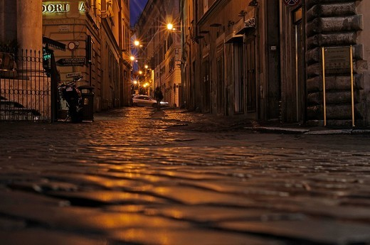 Street view of Via di San Vincenzo near the Trevi Fountain, Rome, Lazio, Italy, Europe : Stock Photo