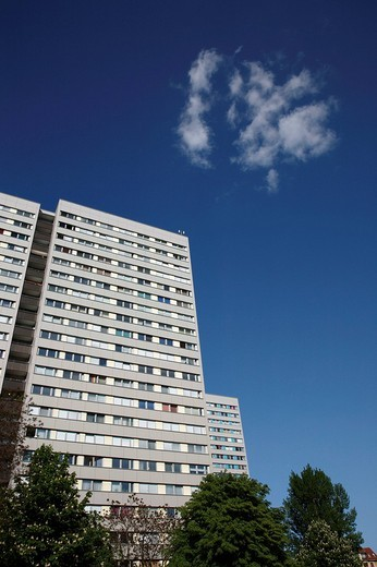 Stock Photo: 1848-142559 Plattenbau, pre_fab tower block, in Berlin, Germany